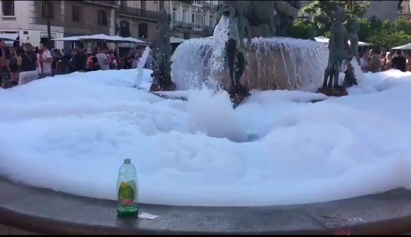"""Фанаты """"Аякса"""" зажгли в Испании (+Фото, Видео) - изображение 3"""