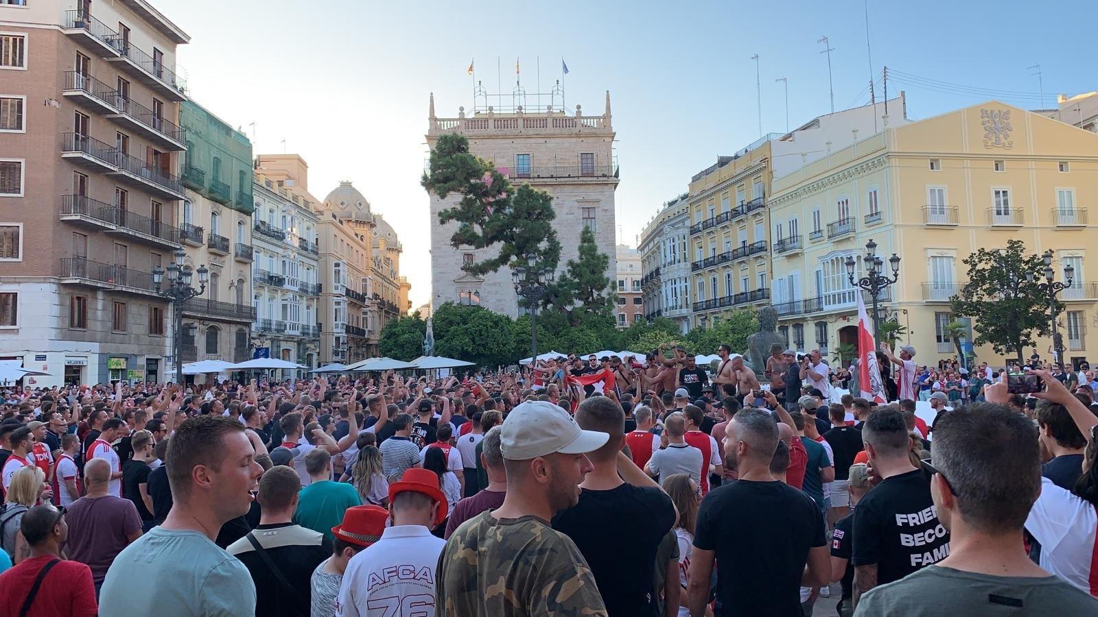 """Фанаты """"Аякса"""" зажгли в Испании (+Фото, Видео) - изображение 1"""