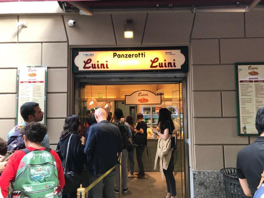 Приключения украинцев в Милане: город бутиков, мопеды и китайцы - изображение 16