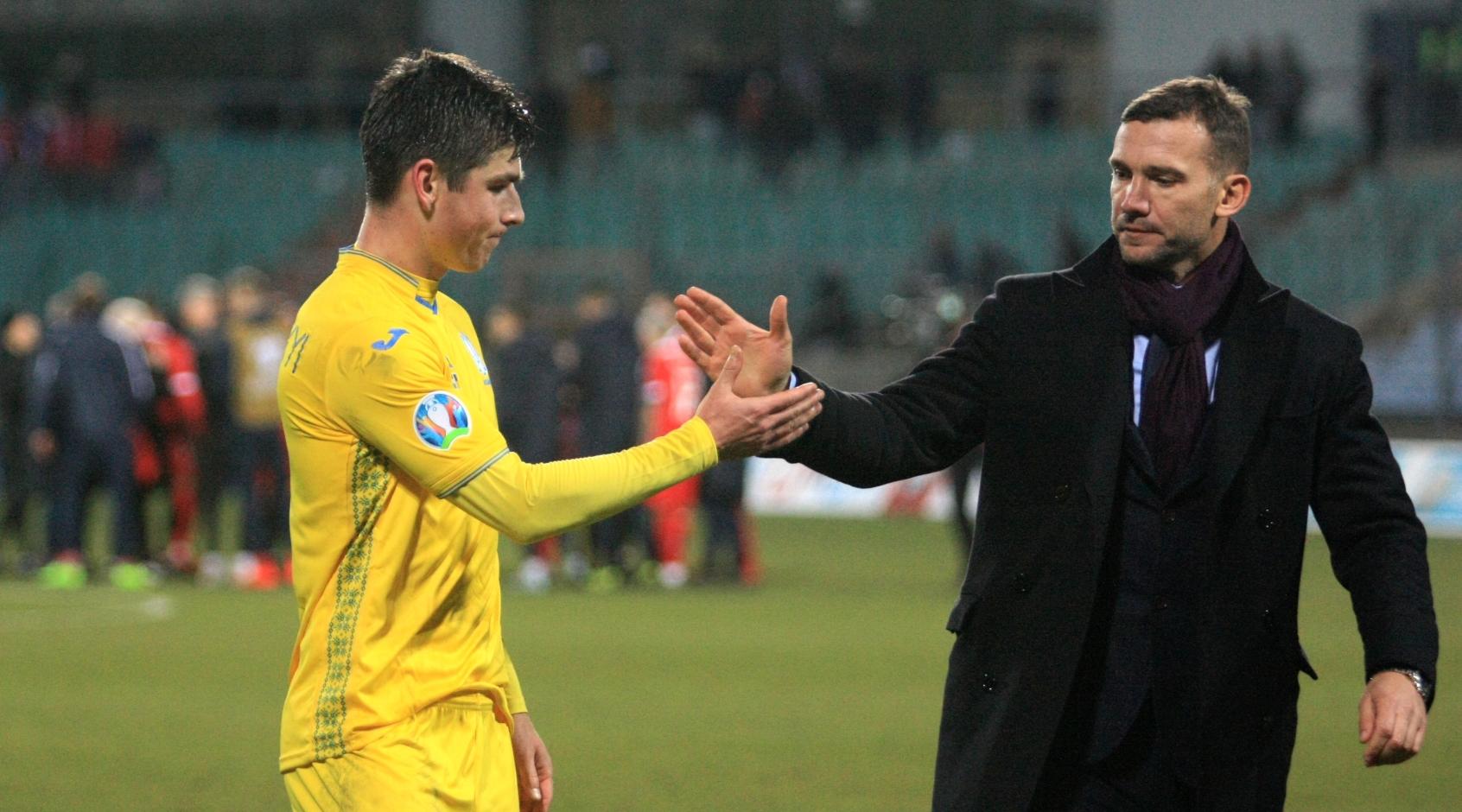На матчі проти Естонії та Сербії Андрій Шевченко викликав 25 гравців
