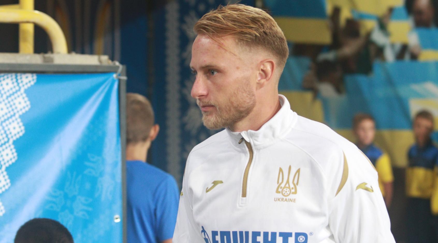 Украина - Эстония 1:0. Стандарт и нестандарт