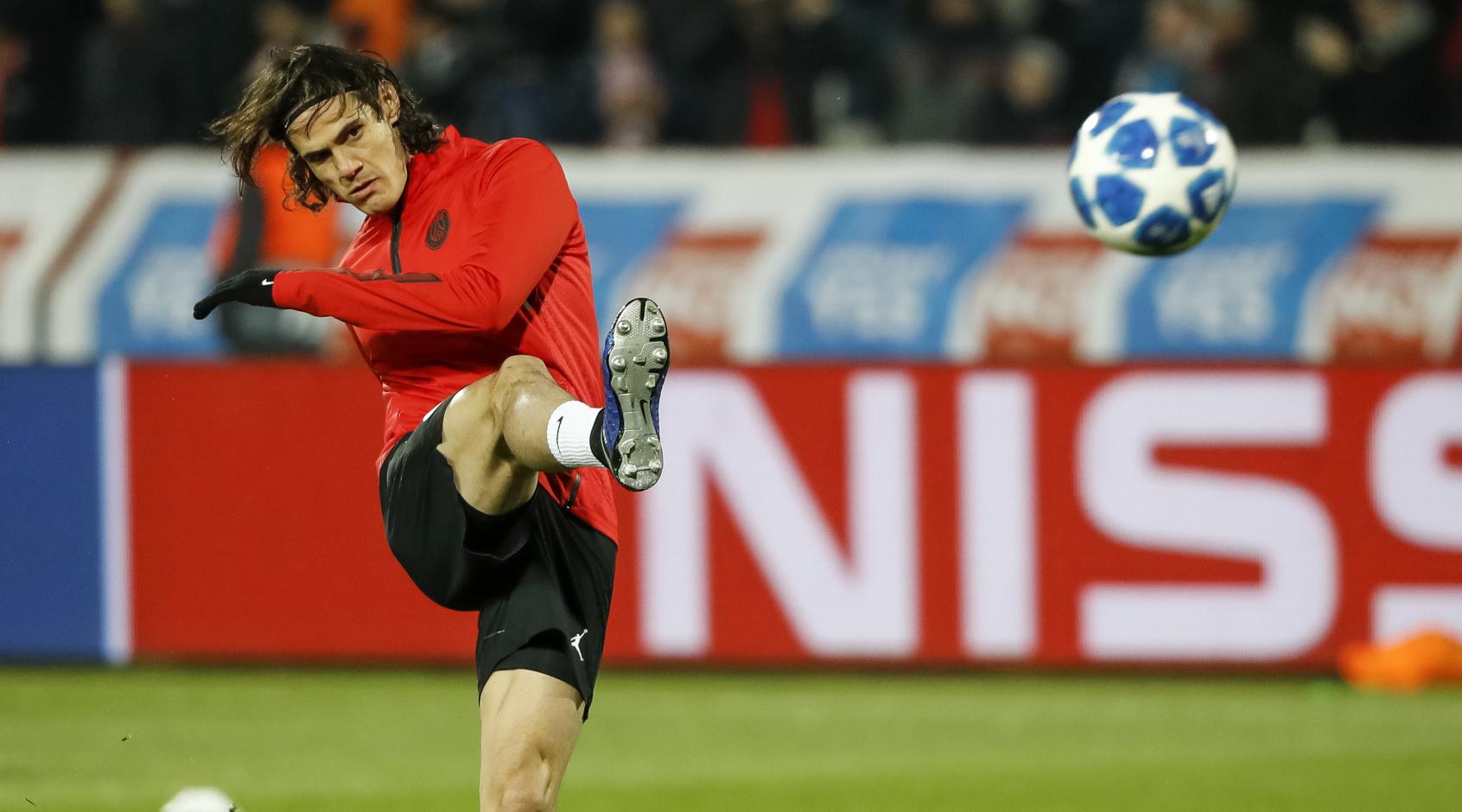 Edinson Cavani is nog steeds geïnteresseerd om naar Atlético te verhuizen