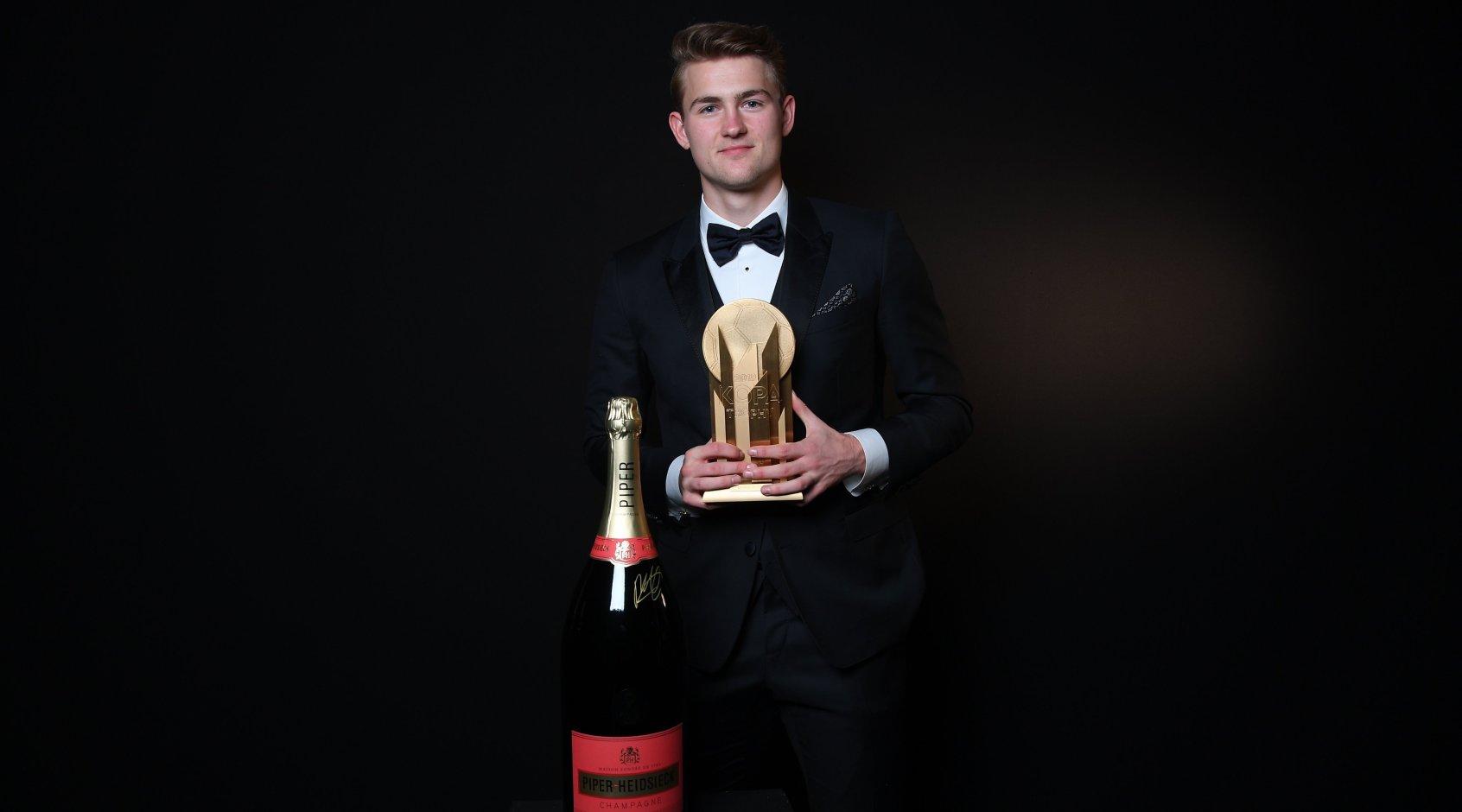 Матейс де Лигт - лучший молодой игрок 2019-го года, Лунин - вне тройки