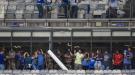 Шокирующие сцены из Бразилии: слёзы футболистов, кровь болельщиков и разрушенный стадион (+Фото, Видео)