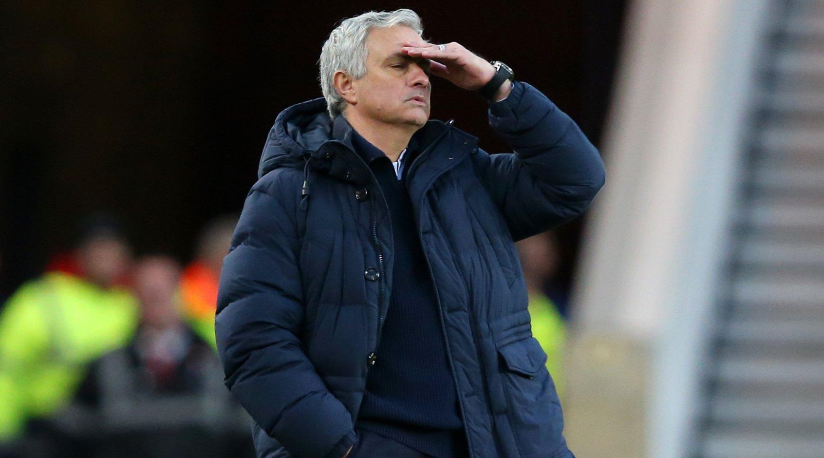 """Жозе Моуриньо: """"А не должна ли команда, ставшая в 2018-м второй, быть признана чемпионом Англии?"""""""