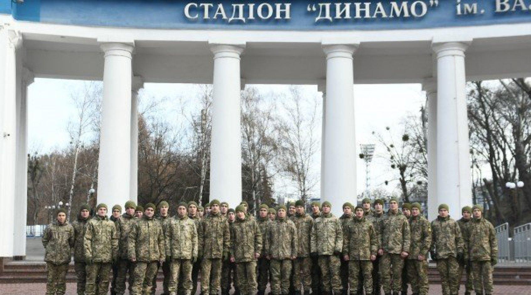"""Стадион и музей """"Динамо"""" посетил Президентский полк"""