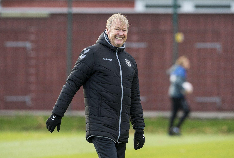 Тренер сборной Дании Оге Харейде оказался в необычной ситуации из-за переноса Евро на 2021 год - изображение 2