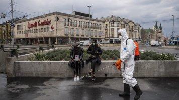 Коронавирус в Венгрии: диктаторские законы, 1 400 евро штрафа за нарушение комендантского часа