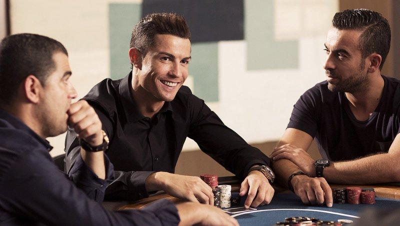 Топ-10 футболистов, играющих в покер: успешный Пике, перспективный Неймар, скандальный Тотти - изображение 4
