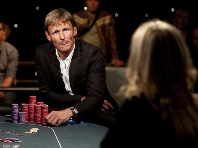 Топ-10 футболистов, играющих в покер: успешный Пике, перспективный Неймар, скандальный Тотти - изображение 7