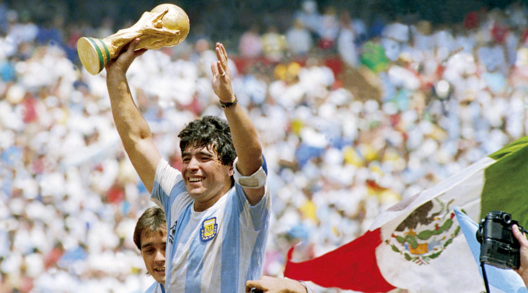 """Судья матча ЧМ-1986 Аргентина-Англия: """"Если бы я свистнул на Марадоне, мы бы не увидели такого великолепия"""""""