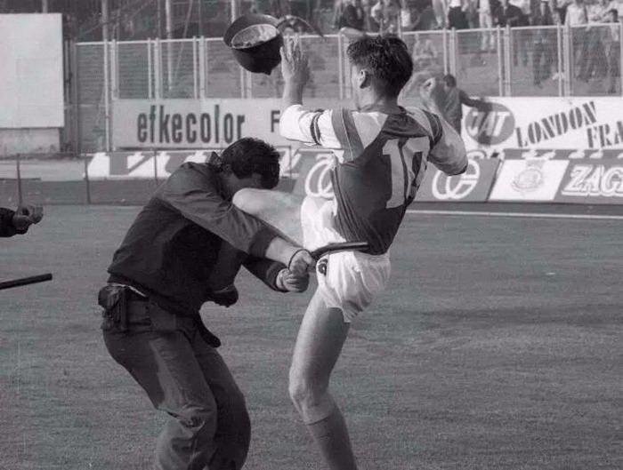 Самые жестокие драки в истории футбола: Марадона против Мясника из Бильбао, Норман Хантер против Фрэнсиса Ли (+ видео) - изображение 1