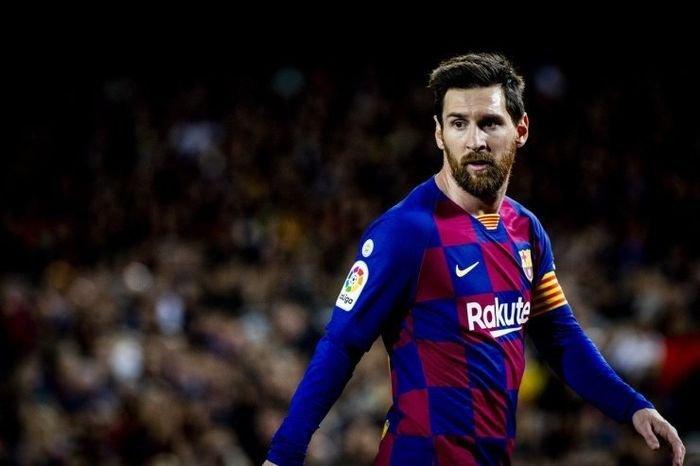 Топ-10 самых титулованных футболистов мира: от Хави и Иньесты до Дани Алвеса и братьев Хасан - изображение 2