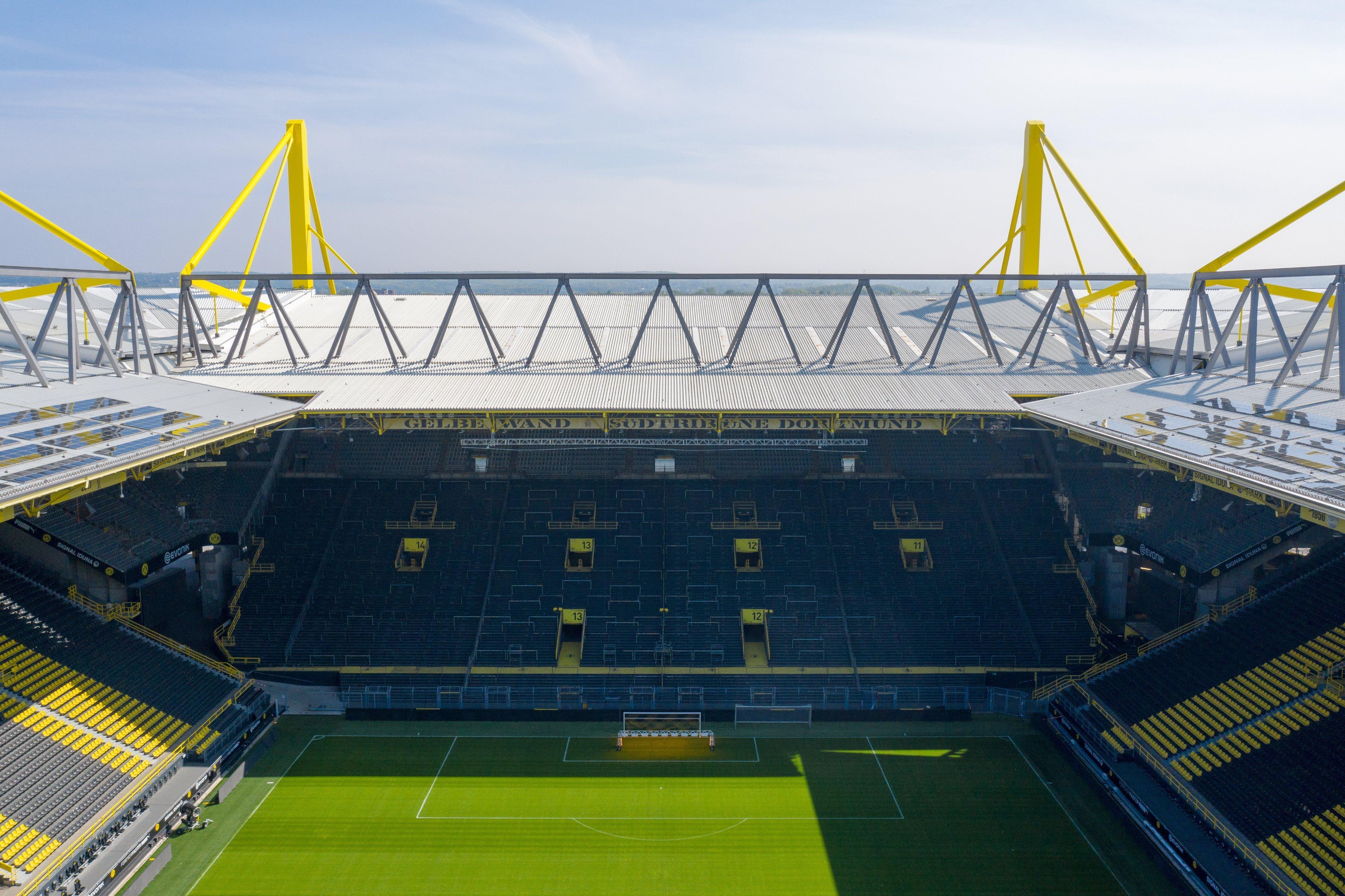 """Немецкие болельщики: """"Почему в магазине нельзя заразиться коронавирусом, а на стадионе можно?"""" - изображение 1"""