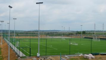 Угорці будують на Закарпатті ультрасучасну футбольну базу