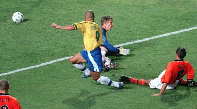 """Чемпионат мира во Франции 1998 года: домашний успех """"галльских петухов"""" (+видео) - изображение 6"""