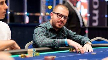 Покерный филантроп выиграл 527 000 долларов в онлайне