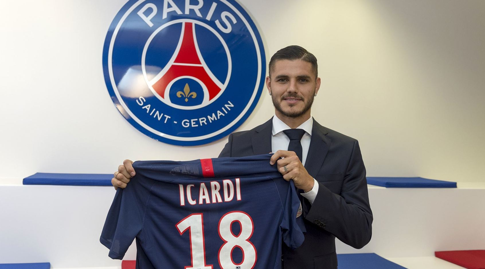 Официально: Мауро Икарди подписал контракт с ПСЖ