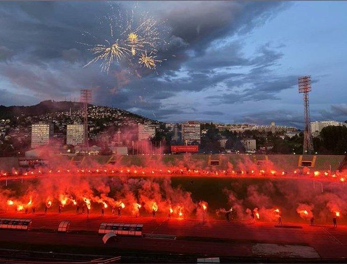 Футбол на карантине: Роналду стал Аладдином, поздравление с барабаном и файер-шоу в Боснии (Фото, Видео) - изображение 2