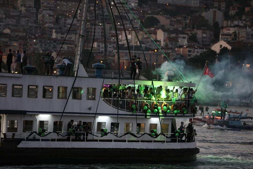 На море и на суше: турецкий клуб эффектно отпраздновал повышение в классе (+Фото, Видео) - изображение 4