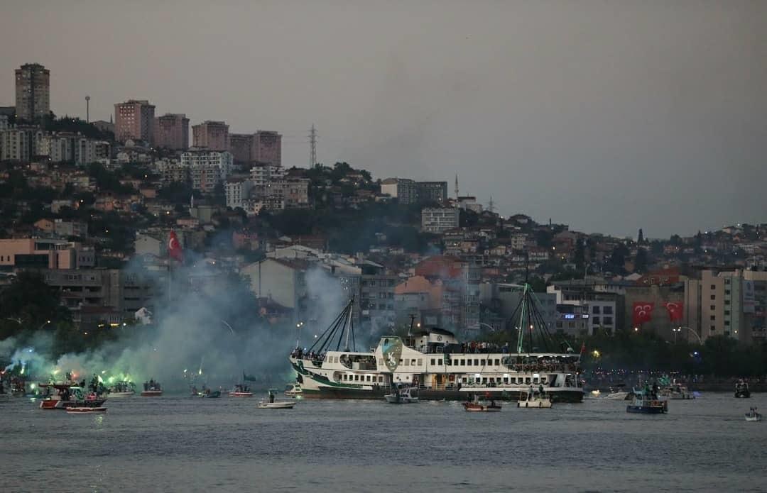 На море и на суше: турецкий клуб эффектно отпраздновал повышение в классе (+Фото, Видео) - изображение 7