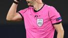 УЕФА незаметно разработал свой собственный бейдж для арбитров (Фото)