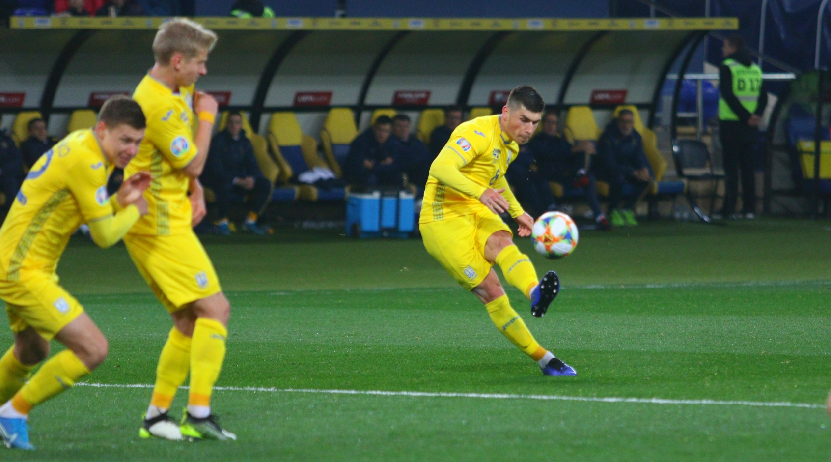 """Руслан Малиновский: """"Мы должны были решать на поле, а не в кабинетах УЕФА в Швейцарии"""""""