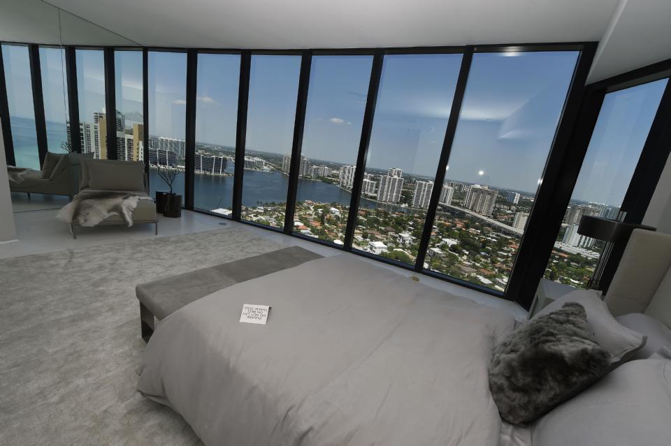 Как выглядит квартира в Майами, за которую Лионель Месси заплатил 8 миллионов евро (Фото, Видео) - изображение 8