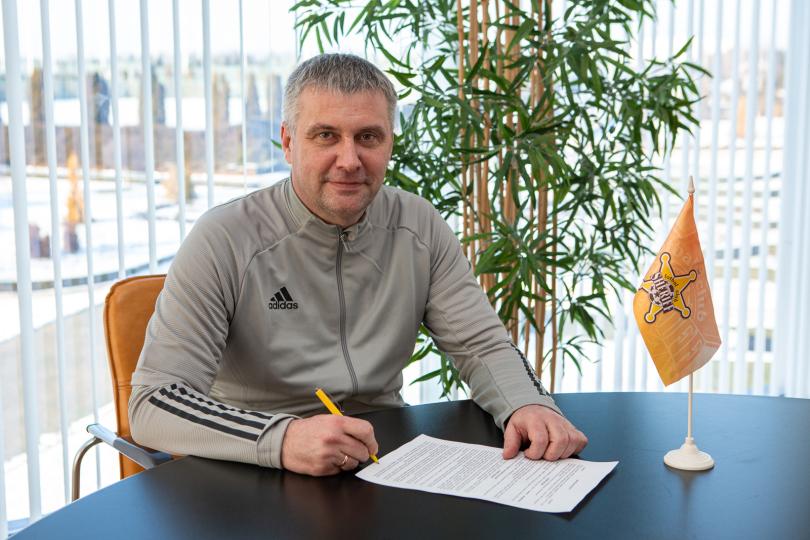 Юрий Вернидуб определился с помощниками в «Шерифе», все специалисты подписали контракты - изображение 1