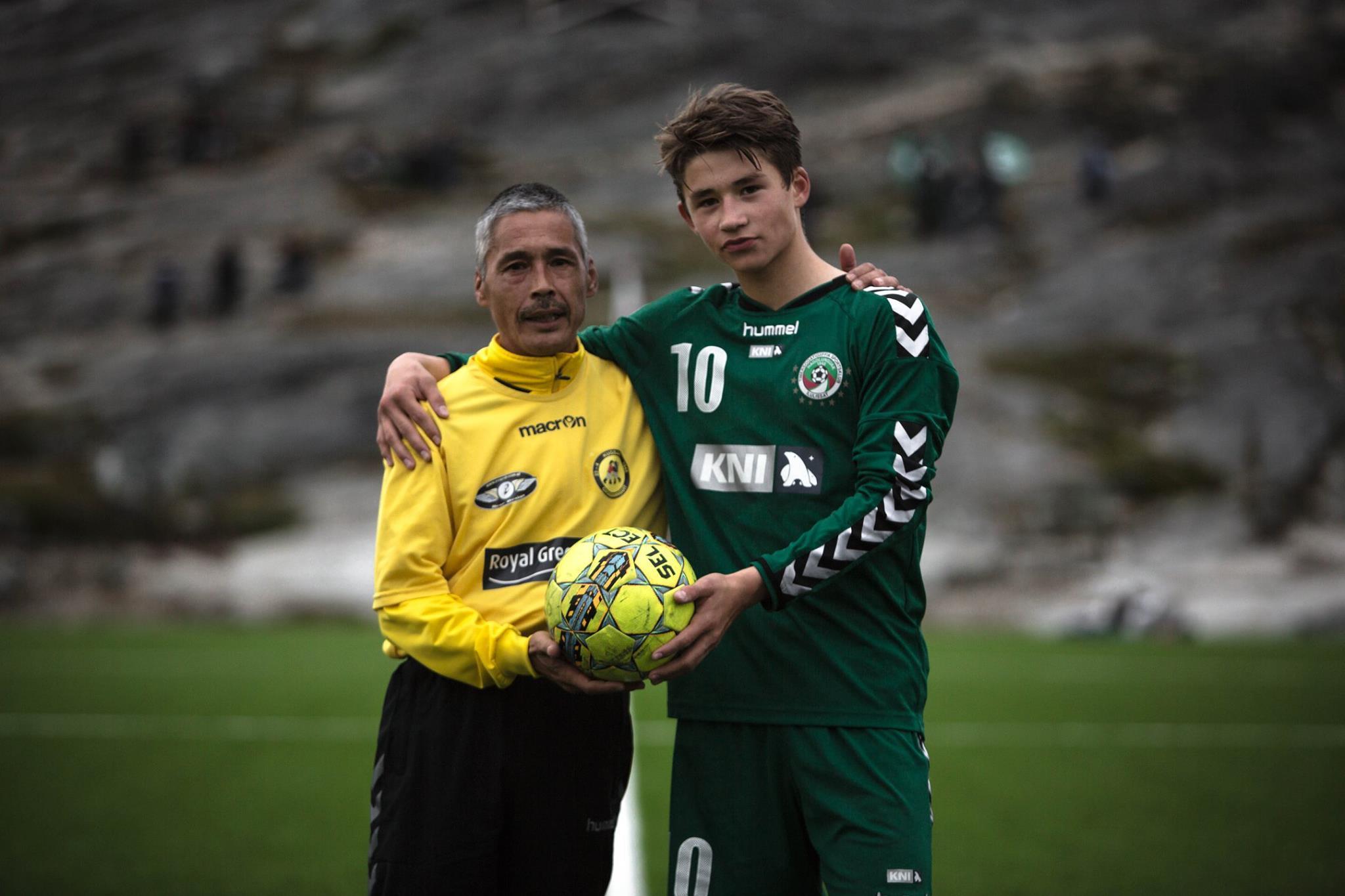 Самое короткое футбольное соревнование в мире: в Гренландии сезон длится одну неделю (+Фото, Видео) - изображение 17
